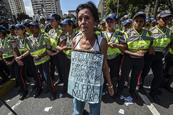 La miseria y el hambre han ganado las calles en Venezuela. / AFP PHOTO / JUAN BARRETO