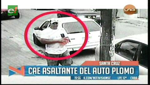 Cae ladrón del auto plomo, fue grabado robando accesorios de otro vehículo