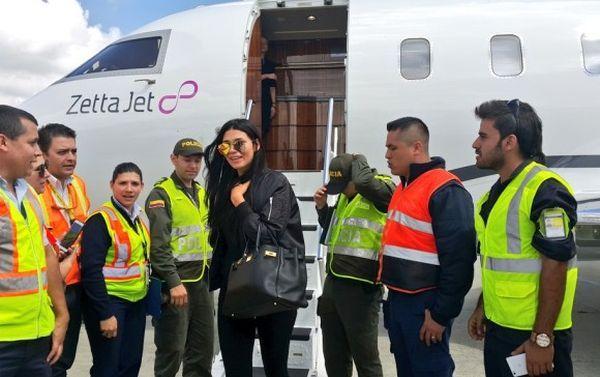 La modelo mexicana Paloma Jimenez aterrizó en Medellín junto a su esposo, el actor Vin Diesel, para asistir a la boda de Nicky Jam