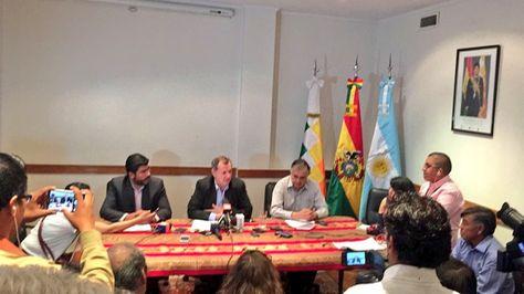 Alberto Gonzales informa sobre la visita de la comisión boliviana a Argentina. Foto: @SenadoBolivia