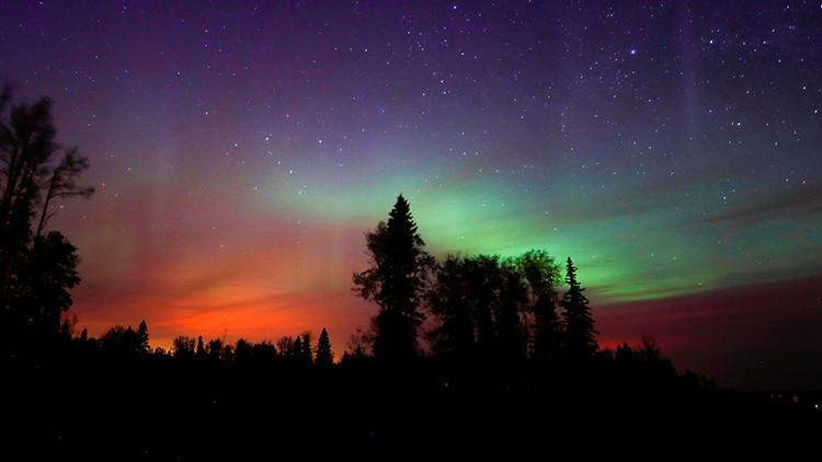 La Policía de Islandia advierte sobre el peligro de la 'hipnotizante' aurora boreal