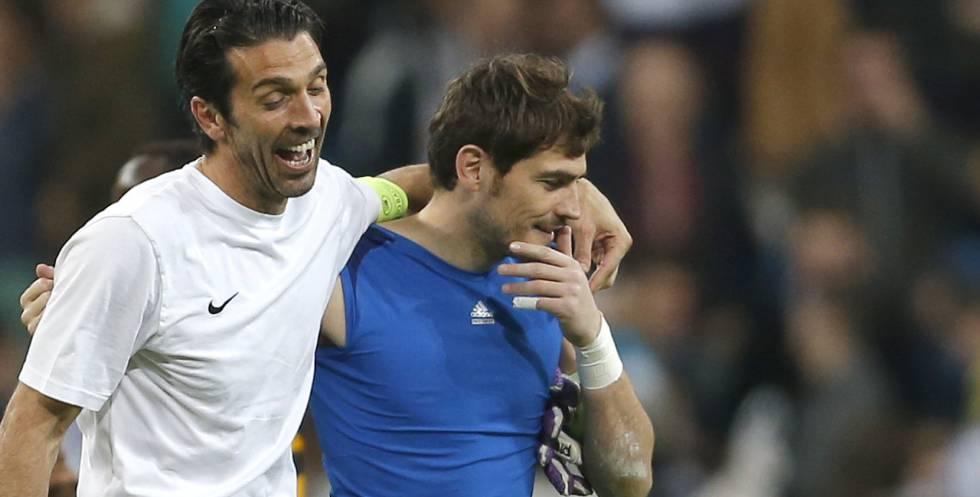 Buffon y Casillas, al final de un Madrid-Juventus en 2013.rn