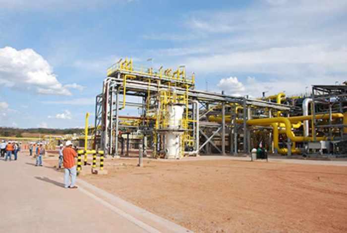 Dos consorcios extranjeros pugnan por la petroquímica de Yacuiba