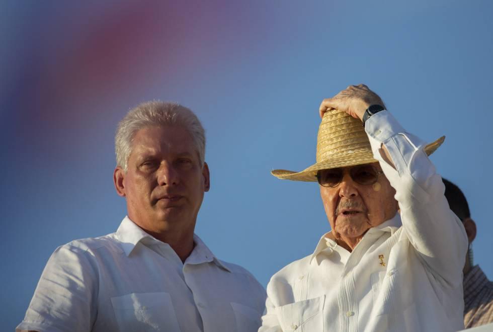 Raúl Castro y su posible sucesor Miguel Díaz-Canel, el año pasado en La Habana.