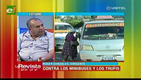 Choferes de micros critican la proliferación de minibuses en Santa Cruz