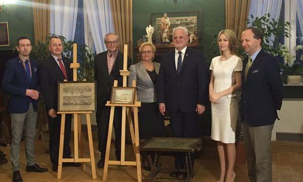 """Wächter dijo que regresó las obras de arte para honrar la memoria de su madre, que murió en 1985. """"No estoy especialmente orgulloso de mis hechos. No devuelvo los objetos para mí, sino por el bien de mi madre."""""""