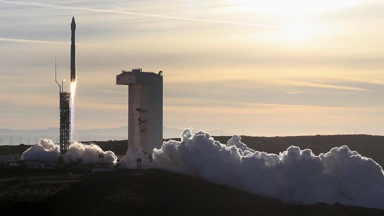 EE.UU. lanza un cohete Atlas V con un satélite militar