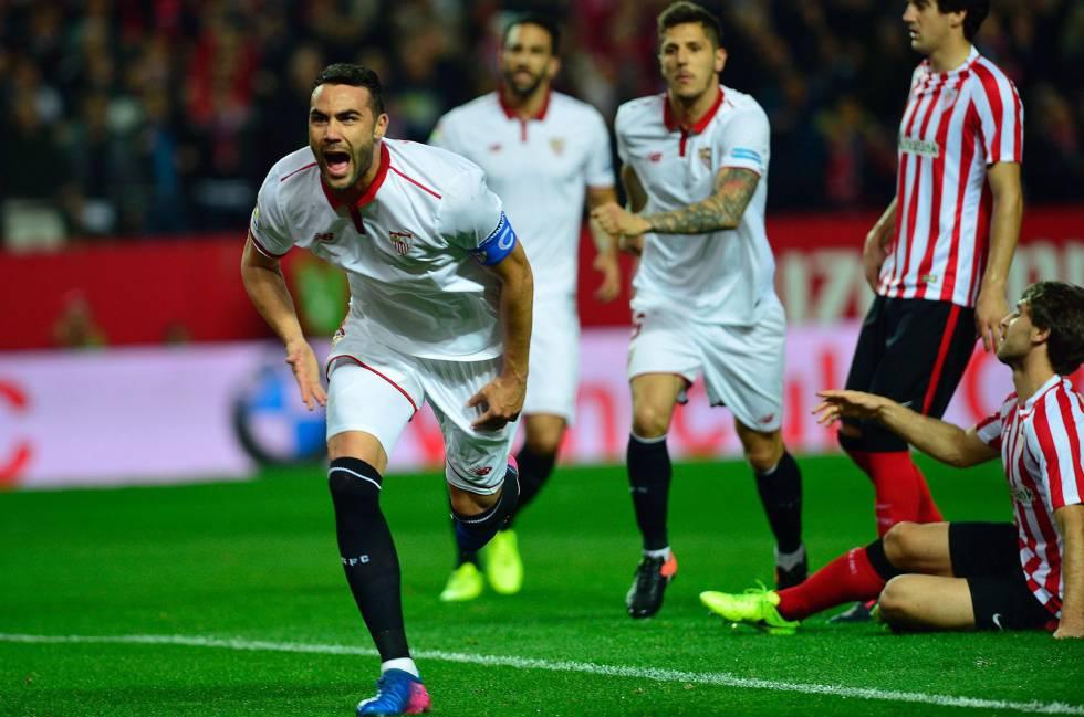 Iborra celebra el gol del triunfo del Sevilla.