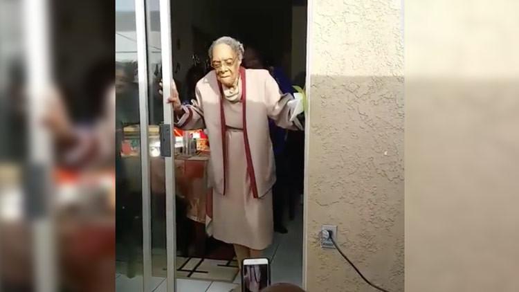 Video: Una mujer de 100 años celebra su cumpleaños con un baile espectacular