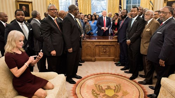 La foto de Conway que se viralizó (AFP)