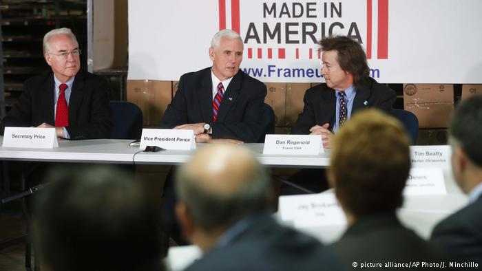 La propuesta presentada por los republicanos prevé eliminar puntos clave, como la obligatoriedad de tener un seguro. (picture alliance/AP Photo/J. Minchillo)