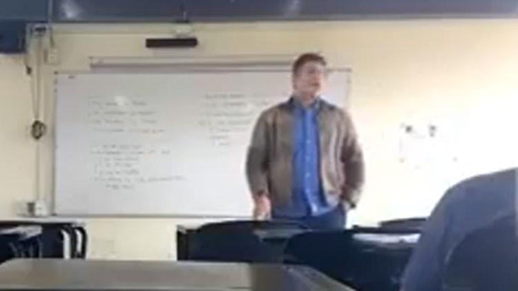 Video: Los consejos machistas de un profesor universitario que indignan a México