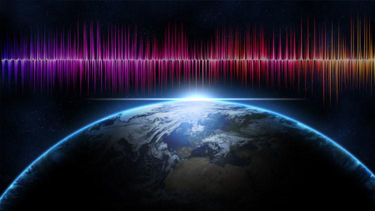 Las extrañas señales de radio más allá de nuestra galaxia podrían ser de dispositivos alienígenas