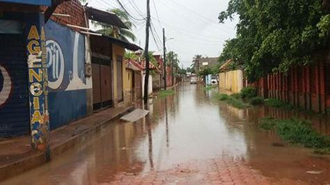 Algunos barrios quedaron anegados por las lluvias en Trinidad.