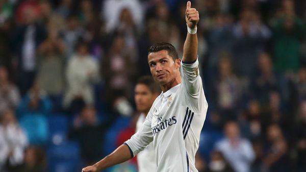 Cristiano Ronaldo pretende un recambio en la delantera (Reuters)