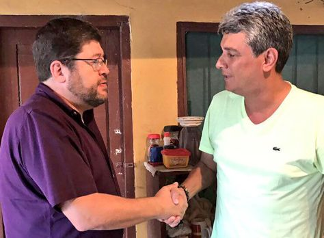 El jefe de UN, Samuel Doria Medina, visita a Ernesto Suárez en la cárcel de Mocoví
