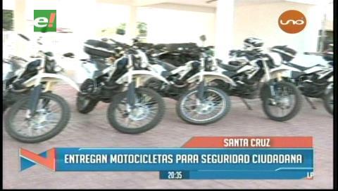 Santa Cruz: Entregan motocicletas para fortalecer seguridad ciudadana en provincias