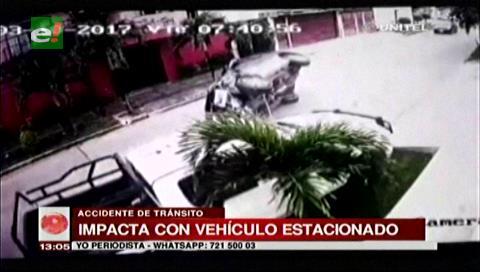 Video: Vagoneta impacta contra una camioneta estacionada