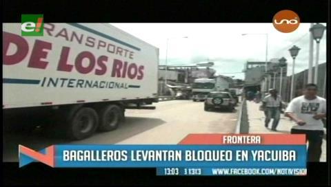 Bagalleros levantan bloqueo en la frontera con Argentina