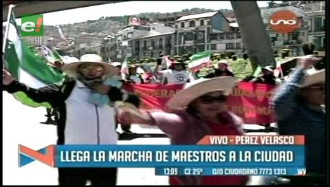 Marcha de maestros llega a La Paz