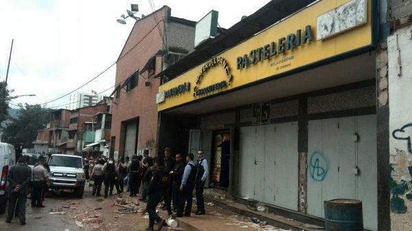 Los establecimientos más afectados fueron una panadería y una verdulería