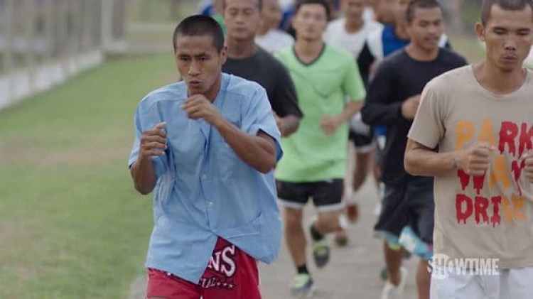 Noy Khaopan preparándose para el torneo que lo dejaría posteriormente en libertad