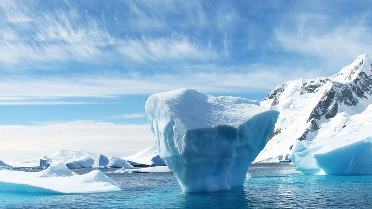 VIDEO: Emiratos Árabes Unidos planea remolcar un iceberg para obtener agua potable