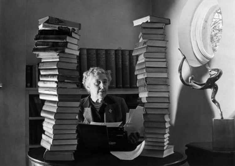 Agatha Christie nunca confesó que inventó la historia de la pérdida de la memoria. Ahora su biógrafo Wilson ensayó la nueva teoría