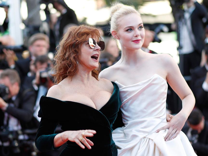 Susan Sarandon con Elle Fanning en Cannes.