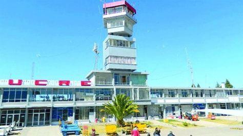 El Aeropuerto Juana Azurduy en Sucre.