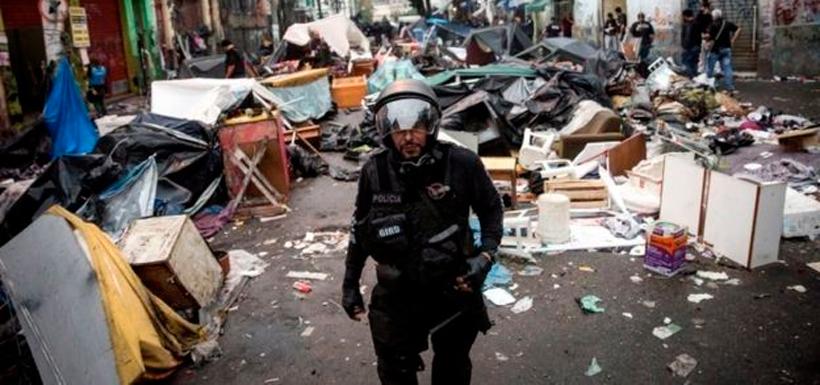 En el operativo del domingo participaron 500 policías armados. Foto: EPA