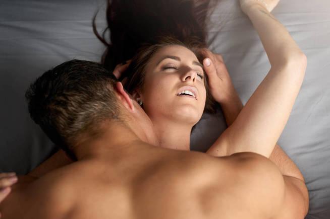 Sus investigaciones demuestran que el placer femenino es más complejo. (iStock)