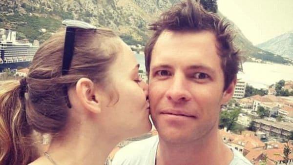 Oliver Dowling, de Nueva Zelanda, sufrió una apuñalada en la cara (Twitter)