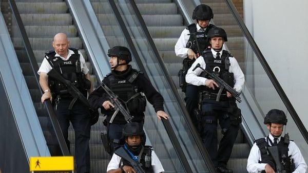Las fuerzas antiterrorismo en Londres (Reuters)