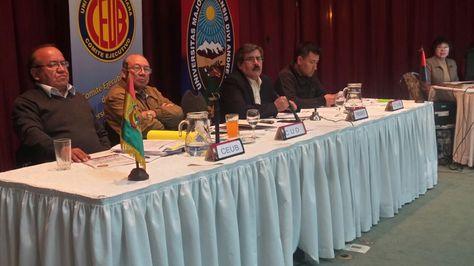 Representantes de las universidades públicas en la Novena Conferencia de Universidades.