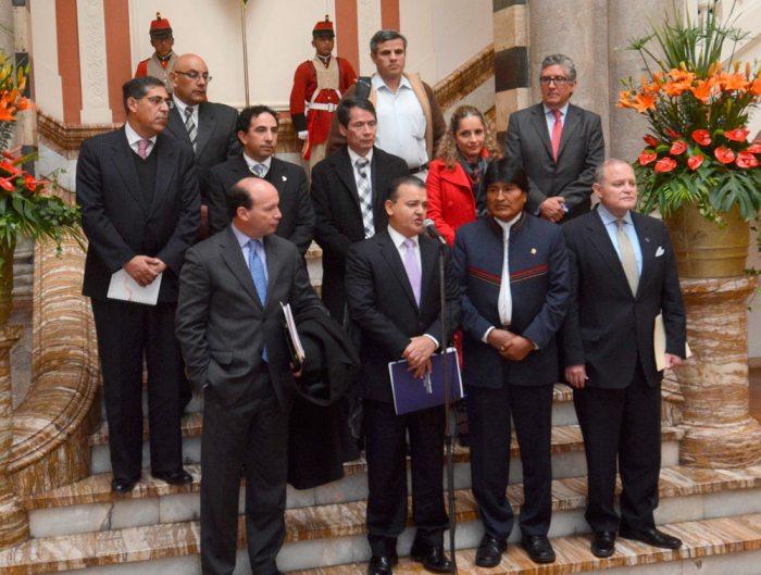 DIRECTIVOS DE LA EMPRESA PRIVADA CON EL PRESIDENTE, EVO MORALES.