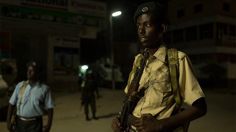 Toman como rehenes a 20 personas en un restaurante de Somalia