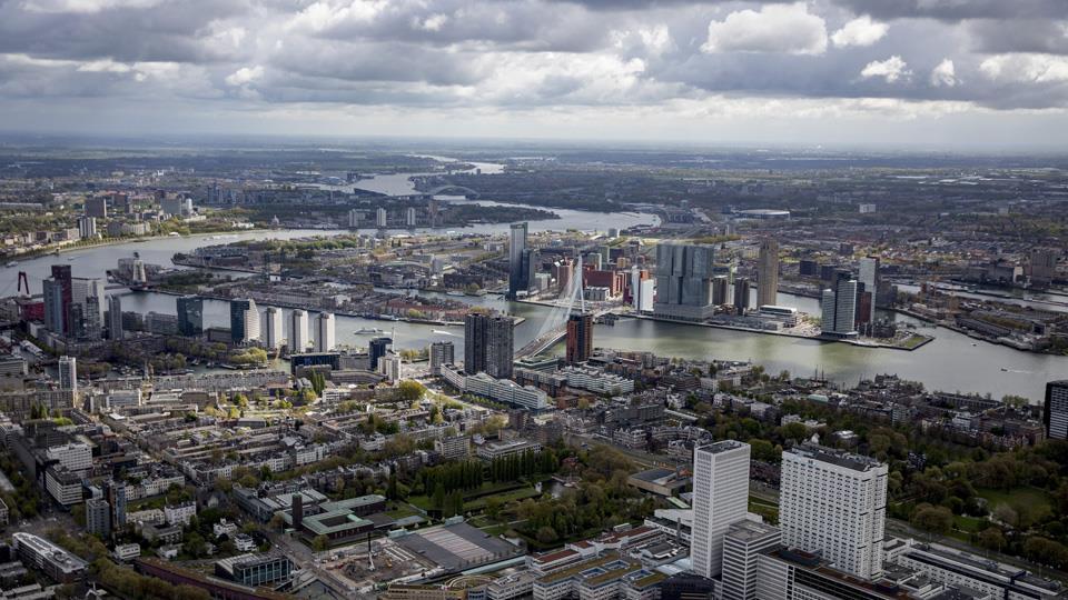 Rotterdam fue pionera en la construcción de playas de estacionamiento que se convierten en diques de emergencia