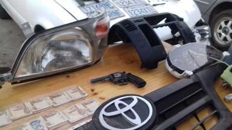 Elementos decomisados por la Policía a la banda delictiva.
