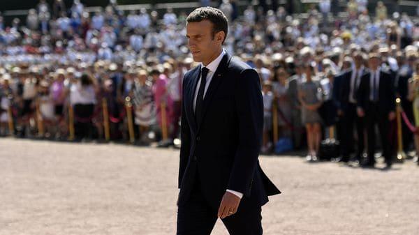 Emmanuel Macron se vio obligado a un temprano cambio de gabinete (REUTERS)
