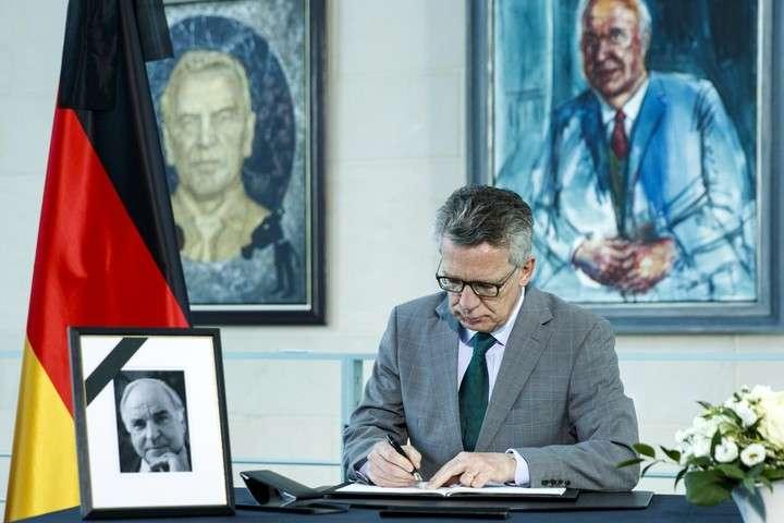 El gobierno alemán leerá los mensajes cifrados de WhatsApp y Skype