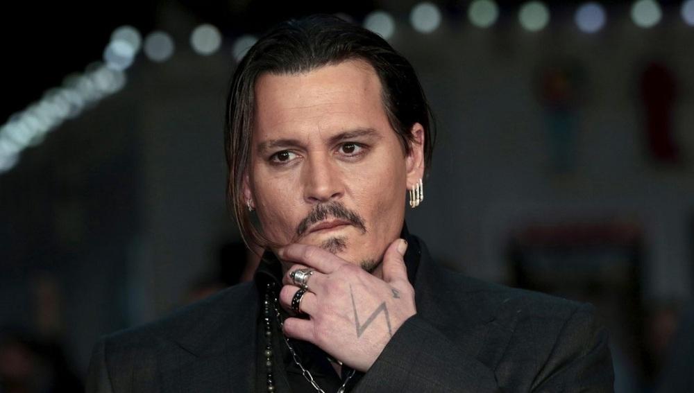 Resultado de imagen de Johnny Depp asesinar a donald trump