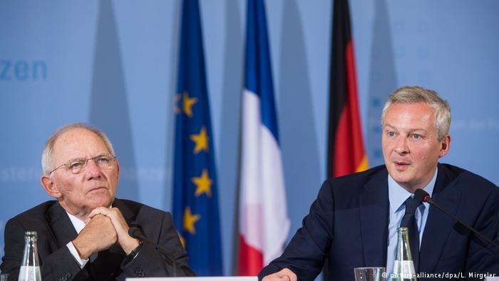 Bruno Le Maire (izqda.) y Wolfgang Schäuble.