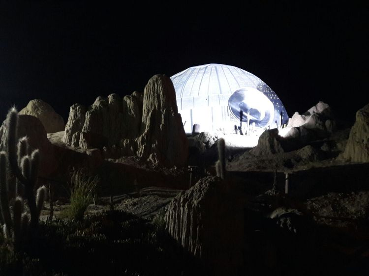 Miles de ciudadanos asistieron al espectáculo temático de Star Wars en el Valle de Luna. Foto: Miriam Chávez