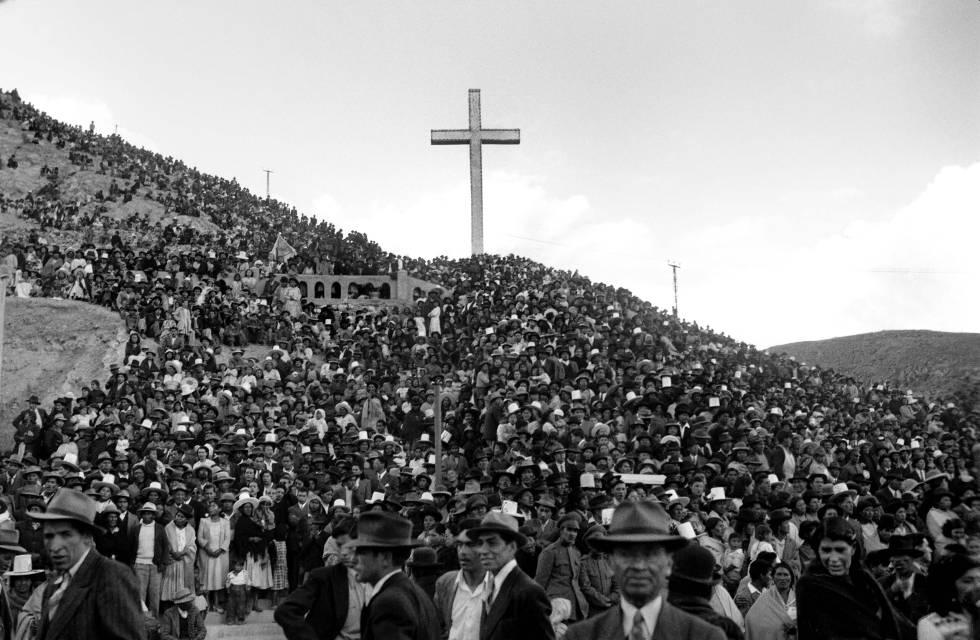 Congreso en el socavón en la ciudad de Oruro, Bolivia, en 1938.