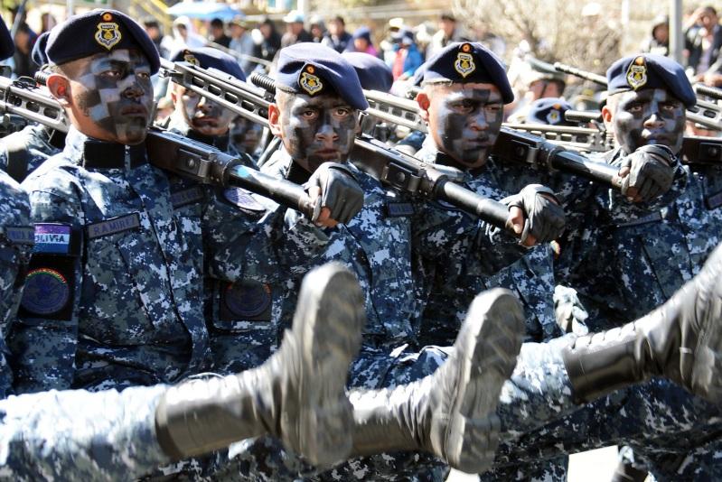 Resultado de imagen de FFAA licencia a 7.000 soldados de bolivia