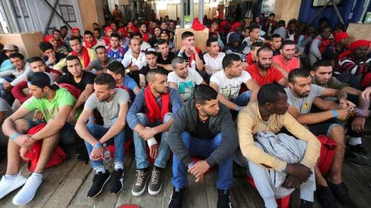Migrantes llegados a puertos italianos (Reuters)