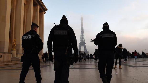 Detenido un hombre en París que intentó atropellar a una multitud en la mezquita de Créteil