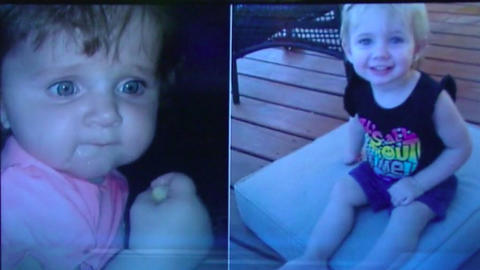 Mueren dos niñas en Texas luego de que su madre las dejará por horas enc...