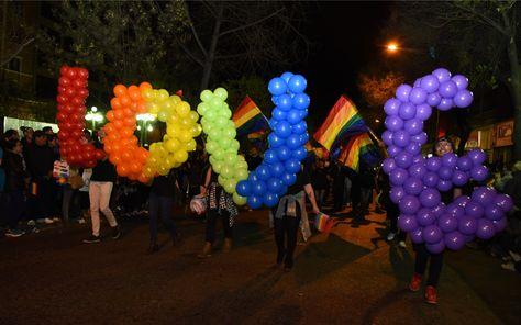 La marcha del Orgullo de personas Lesbianas, Gais, Transexuales, Bisexuales e Intersexuales (LGTBI) en La Paz. Foto: José Lavayen